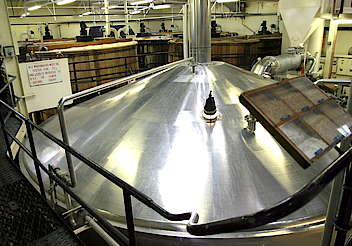 Highland Park mash tun and wash backs hochgeladen von anonym, 01.04.2015