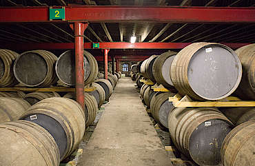 Lagavulin inside the warehouse hochgeladen von anonym, 03.02.2016