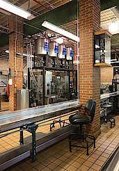 Jack Daniels bottling station for the Single Barrel Select hochgeladen von anonym, 09.06.2015