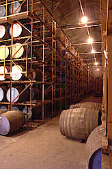 Glenrothes inside the warehouse hochgeladen von anonym, 24.03.2015