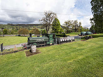 Dewar's train outside Aberfeldy distillery hochgeladen von anonym, 18.06.2019