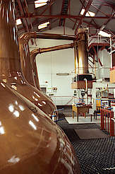 Royal Brackla pot stills with condensers hochgeladen von anonym, 21.04.2015