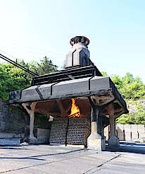 Jack Daniels charcoal production hochgeladen von anonym, 09.06.2015