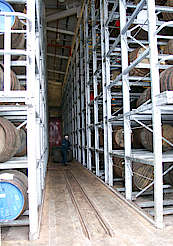 Macallan inside the new warehouse hochgeladen von anonym, 15.04.2015