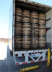 Wild Turkey loaded truck hochgeladen von anonym, 29.06.2015