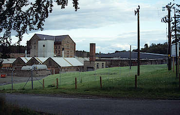 Deanston distillery view from the back hochgeladen von anonym, 18.02.2015