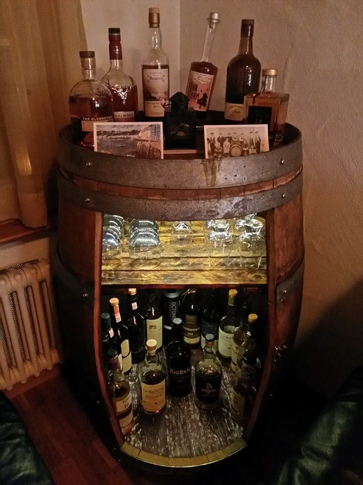 Whisky Bar Für Zuhause : meine whisky fass bar altes rotwein fass forum ~ Bigdaddyawards.com Haus und Dekorationen