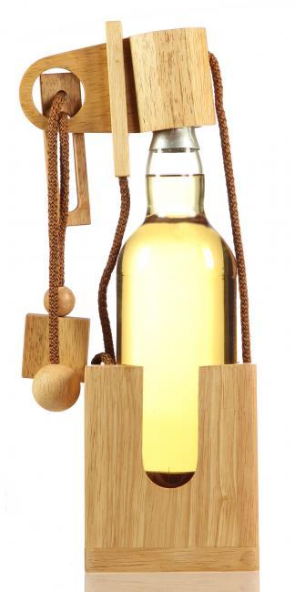 Flaschenpuzzle aus Edelholz