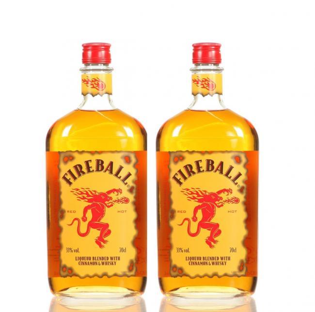 Fireball Cinnamon Whisky Liqueur 2er Set